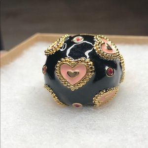 Betsey Johnson Black Heart Stretch Dome Ring - 8